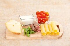 cynamonowa kulinarna mąkę składników jaja orzechów przyprawy waniliowe cukru Zdjęcie Royalty Free