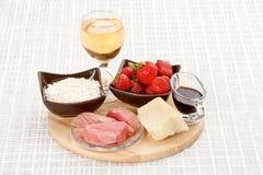 cynamonowa kulinarna mąkę składników jaja orzechów przyprawy waniliowe cukru Fotografia Royalty Free