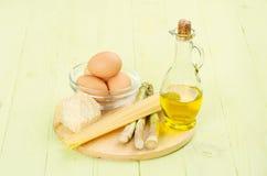 cynamonowa kulinarna mąkę składników jaja orzechów przyprawy waniliowe cukru Zdjęcie Stock