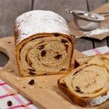 Cynamonowy rodzynka chleb Zdjęcia Stock