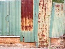 Cynk ośniedziała Ściana Zdjęcia Stock