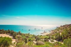 Cypern Protaras, Konnos strand, sikt av lagunmedelhavet från över Royaltyfri Fotografi