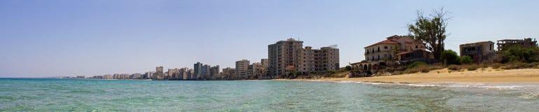 Cypr Famagusta Hotele, porzucający czterdzieści rok temu zdjęcie royalty free