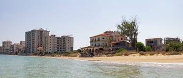 Cypr Famagusta Hotele, porzucający czterdzieści rok temu obraz stock