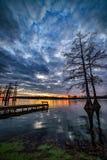 Озеро Cypress, сценарный заход солнца, южный Иллинойс Стоковое фото RF