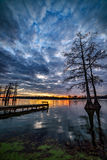Cypress sjö, scenisk solnedgång, sydliga Illinois Royaltyfri Foto