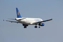 Cyprus Airways A320 royaltyfri fotografi