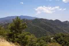 cyprus Panorama av bergmaxima Arkivfoto