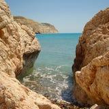 Cyprus tussen de rotsen stock afbeeldingen