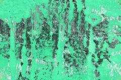 Cyraneczka, zieleni ampuły szkody na grungy sztukateryjnej teksturze - fantastyczny abstrakcjonistyczny fotografii tło fotografia royalty free