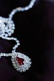 Cyrkonu klejnotu rubinowa kolia Zdjęcia Royalty Free