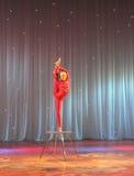 Cyrkowego akrobata klingerytu ciało Fotografia Stock