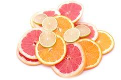 Cytrusów plasterki - pomarańcze, wapno, grapefruit Zdjęcie Stock