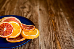 Cytrus owoc na drewno stołu tle z kopii przestrzenią Zdjęcia Stock