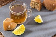 Cytryna i panela napój na widok fotografia stock