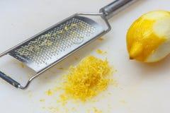 Cytryny łupa usuwająca zdjęcie stock