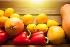 Cytryny, grapefruits i bania, verdure pozyskiwania środowisk gentile struktura obraz stock