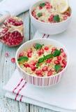 Cytryny i granatowa couscous sałatka Zdjęcia Royalty Free