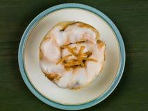 Cytryny i sułtanu ciasta Duńska babeczka Zdjęcie Royalty Free