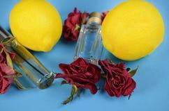 Cytryny pachnidła butelki zdjęcia stock