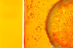 cytryny plasterka woda zdjęcia stock