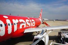 Cywilni samoloty parkuje przy Dębnym syna Nhat lotniskiem międzynarodowym Obrazy Stock