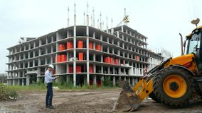 Cywilny inżynier przy budową zbiory