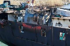 Część ładunku statek w trakcie rozbiórki dla świstka obraz stock