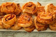 Cząberów ptysiowych ciast spirala kształtująca zdjęcia royalty free