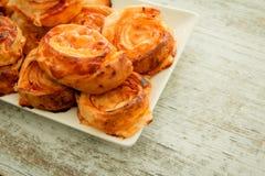 Cząberów ptysiowych ciast spirala kształtująca zdjęcie royalty free