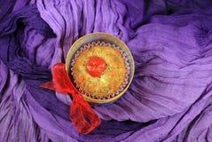 Cząberu pomidoru słodka bułeczka Fotografia Royalty Free
