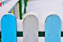 Część Colourful pionowo drewniany ogrodzenie Zdjęcia Stock