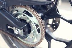 Część motocyklu ciało, przyśpiesza motorowego sport, czarny duży rower Zdjęcia Royalty Free