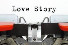 Część pisać na maszynie maszyna z pisać na maszynie Love Story słowami Zdjęcie Stock