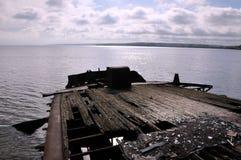 Część przegniły statek, łodzie na wodzie Zdjęcia Stock