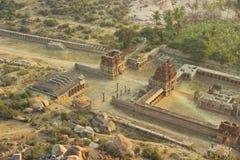 Odgórny widok ruiny od halnego Matangi na wschodzie słońca, Hampi, India Fotografia Stock