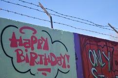 Część rysunku graffiti - ściana z wszystkiego najlepszego z okazji urodzin znakiem Zdjęcia Royalty Free