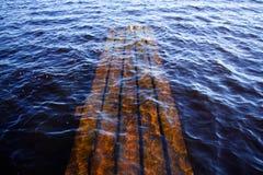 Część zapadnięty molo pod wodą Fotografia Royalty Free