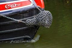 Częściowy strzał kanałowa łódź na Rzecznym Stort w Hertfordshire zdjęcia stock