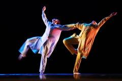 Członkowie Yevgeny Panfilov Baletniczy studio od Perm wykonują Romeo i Juliet podczas IFMC na Listopadzie 22, 2013 w Vitebsk, Był Obrazy Royalty Free