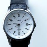 człowiek jest zegarek tytanu Fotografia Royalty Free