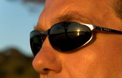 człowiek okulary przeciwsłoneczne zdjęcie stock