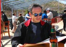 człowiek patio restauracji Obrazy Royalty Free
