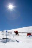 człowiek pradollano narciarski kurortu skłonów snowboarding Hiszpanii Obrazy Royalty Free