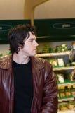 człowiek sklepu spożywczego zakupy Zdjęcia Stock