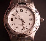 człowiek jest zegarek Fotografia Royalty Free