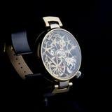 człowiek jest zegarek Luksusowi towary Zdjęcie Stock