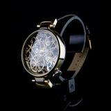 człowiek jest zegarek Luksusowi towary Obrazy Royalty Free