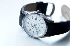 człowiek jest zegarek tytanu Zdjęcia Stock
