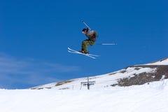 człowiek pradollano kurortu narciarstwa stoki narciarskie Hiszpanii Zdjęcia Royalty Free